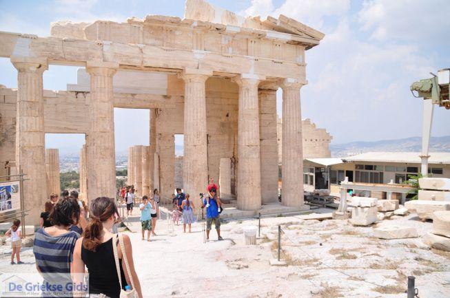 De propyleeen van de Akropolis van Athene